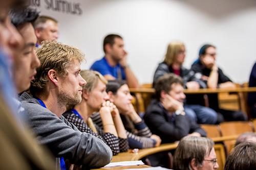 FRIAS schreibt 2 Förderprogramme für Nachwuchswissen-schaftler/innen aus