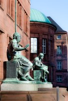"""Beginn der vierten Runde der FRIAS Lunch Lectures im Wintersemester 2015/16 zum Thema """"Paradigmenwechsel in der Wissenschaft"""""""