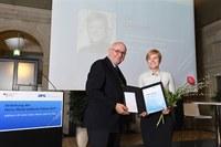 Heinz Maier-Leibnitz-Preis für Evi Zemanek