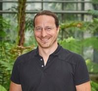Stressed bacteria: ERC grant for Henning Jessen